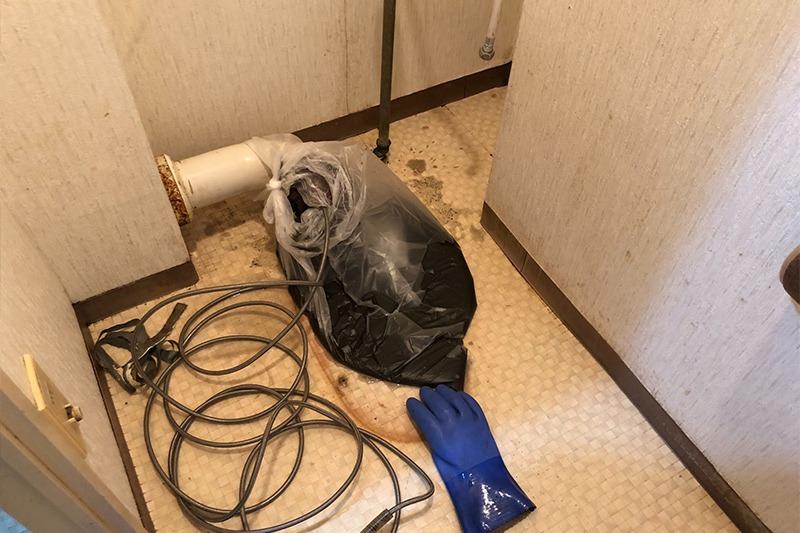 トイレのつまり、排水管の汚れを高圧洗浄機で洗浄除去